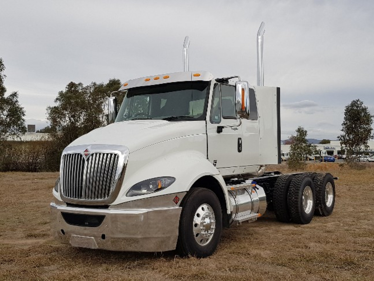 2017 International Prostar Extendend cab Prime mover
