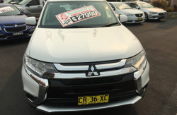 2017 Mitsubishi Outlander ZL ES Suv Image 2