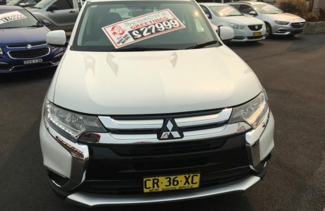 2017 Mitsubishi Outlander ZL ES Suv