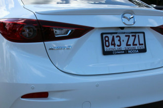 2018 Mazda 3 BN5238 SP25 SKYACTIV-Drive Sedan Image 4
