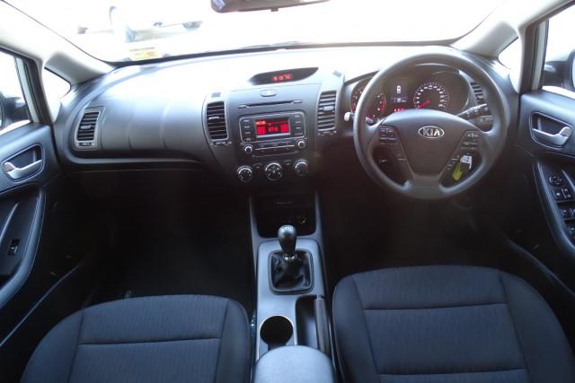 2014 Kia Cerato Hatch S 16 of 25