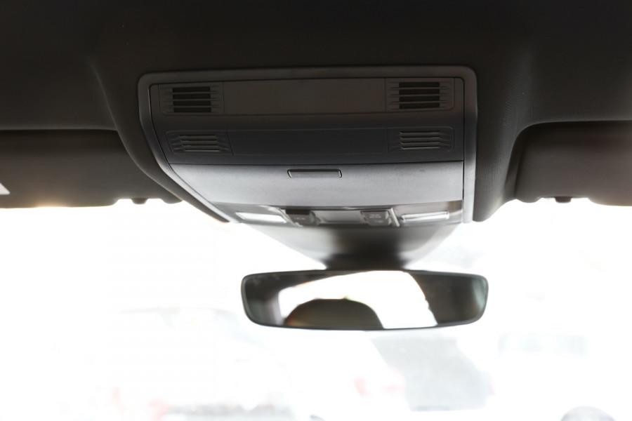2020 Volkswagen Golf 7.5 GTI Hatchback Image 15