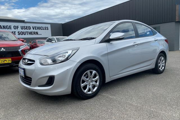 2013 MY15 Hyundai Accent RB2  Active Sedan