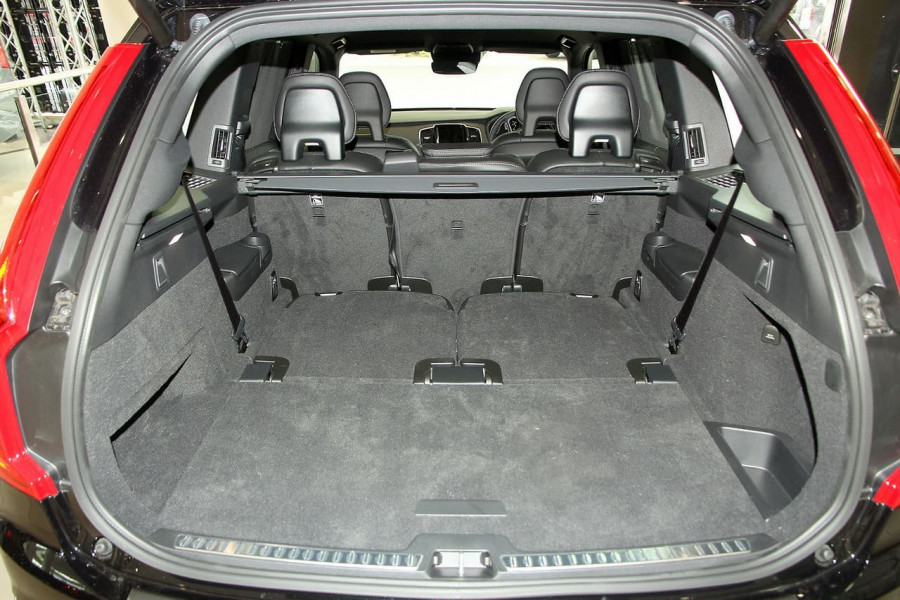 2019 Volvo XC90 L Series T6 R-Design Suv Image 8