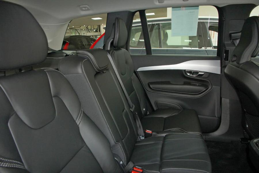 2018 MY19 Volvo XC90 L Series D5 Momentum Suv Mobile Image 7