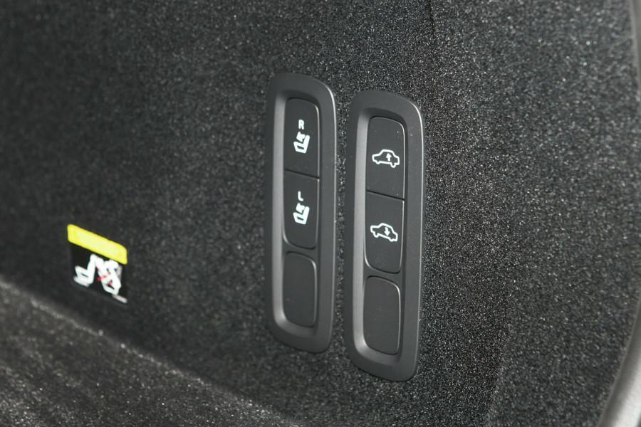 2019 Volvo XC60 UZ T5 Inscription Suv Mobile Image 17