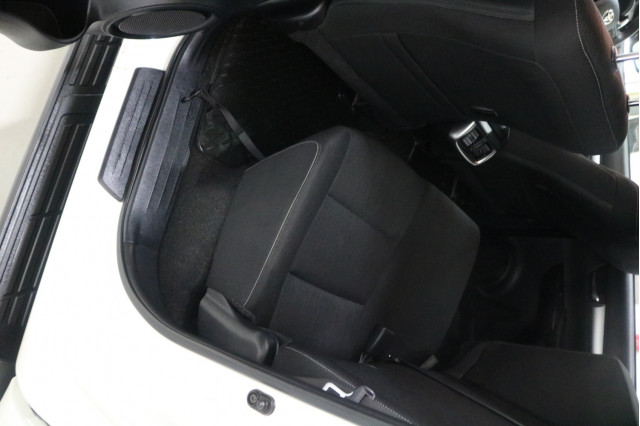 2018 Toyota HiLux GUN126R SR5 Utility Image 5