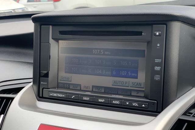 2011 Honda Odyssey Luxury 24 of 34