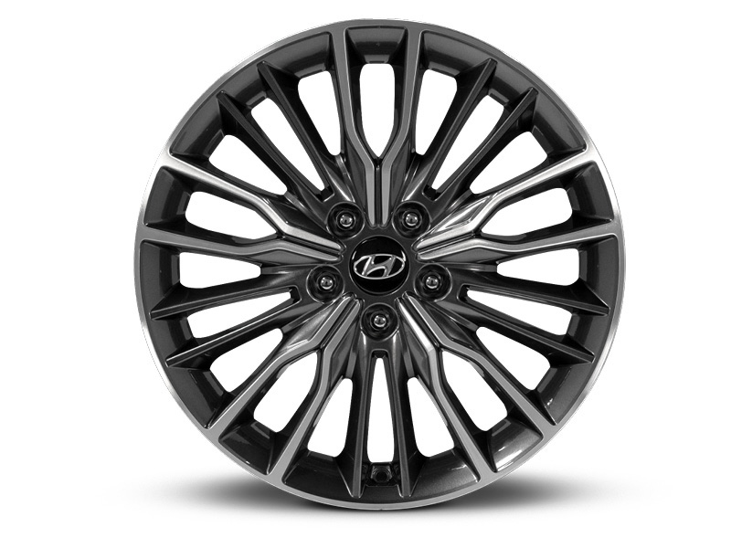 "<img src=""18"" Ulsan Grey and Silver Alloy Wheel."