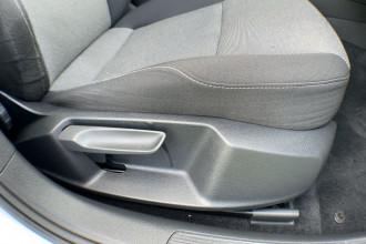 2016 MY17 Volkswagen Golf 7 92TSI Hatch Image 5