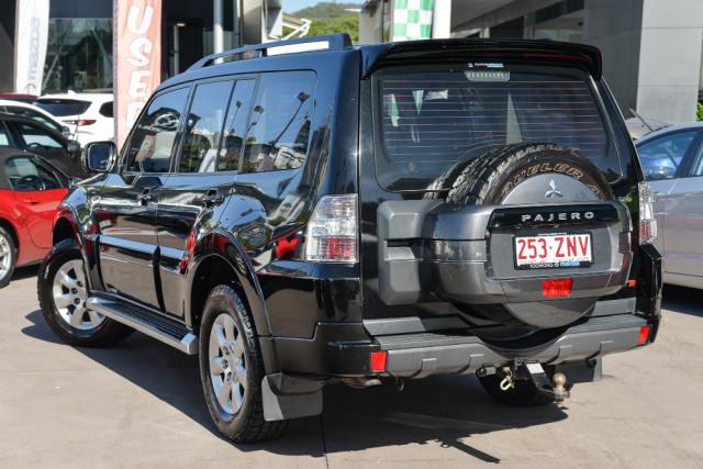 2012 MY13 Mitsubishi Pajero NW  GLX-R Suv Image 2