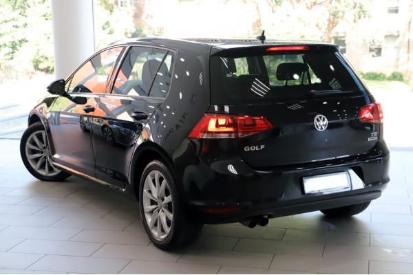 2016 MY17 Volkswagen Golf VII  110TSI Highline Hatch Image 2