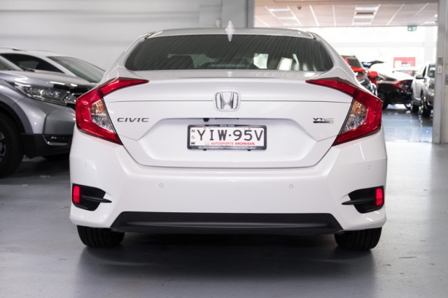 2019 Honda Civic Sedan 10th Gen VTi-LX Sedan Image 5