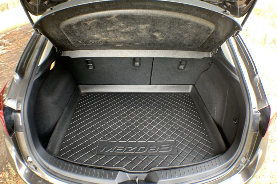 2014 Mazda 3 BM5438 SP25 Hatch Image 17