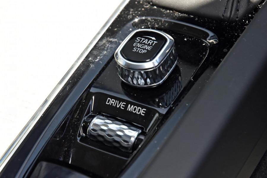 2020 Volvo S60 Z Series T5 Inscription Sedan Mobile Image 20