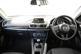 2015 Mazda 3 BM5476 Neo Hatchback Image 5