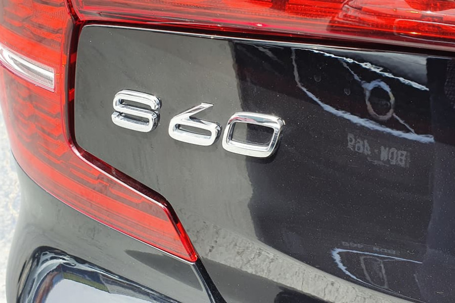 2019 MY20 Volvo S60 Z Series T8 R-Design Sedan Image 8