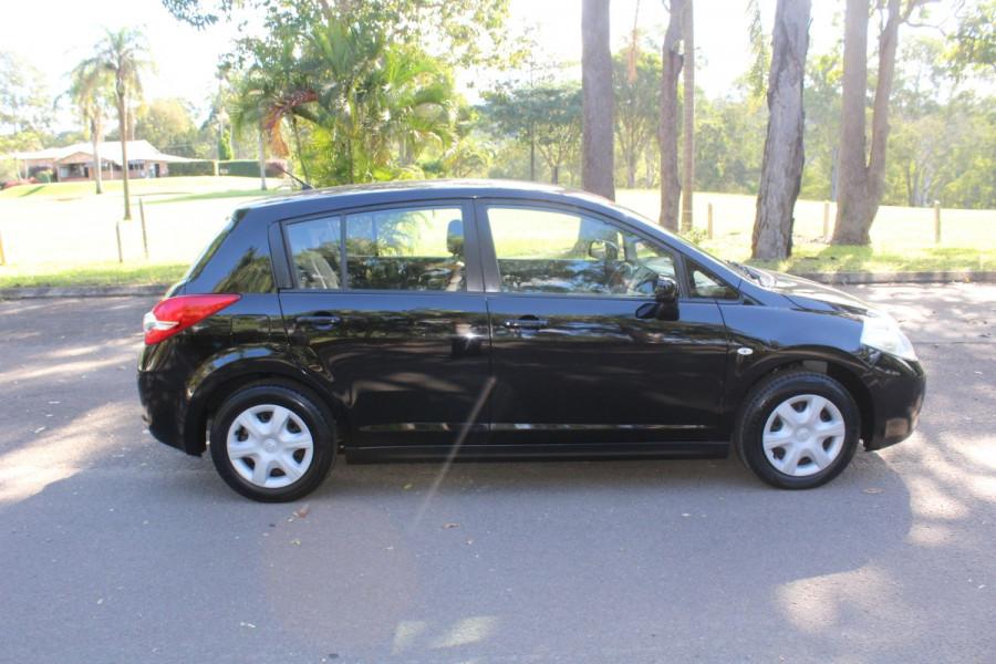 2011 Nissan Tiida C11 S3 ST Hatchback Image 9