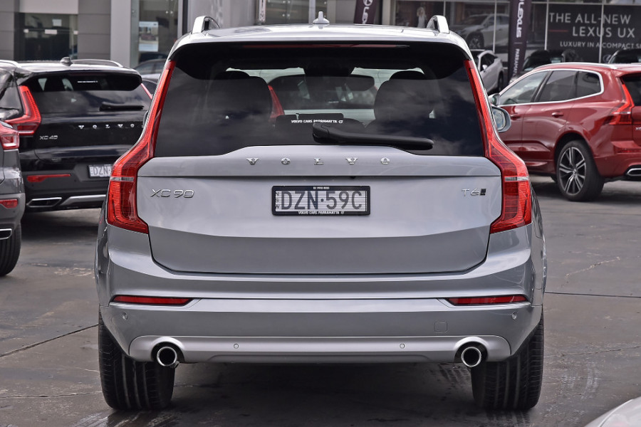 2018 MY19 Volvo XC90 L Series T6 Momentum Suv Mobile Image 5