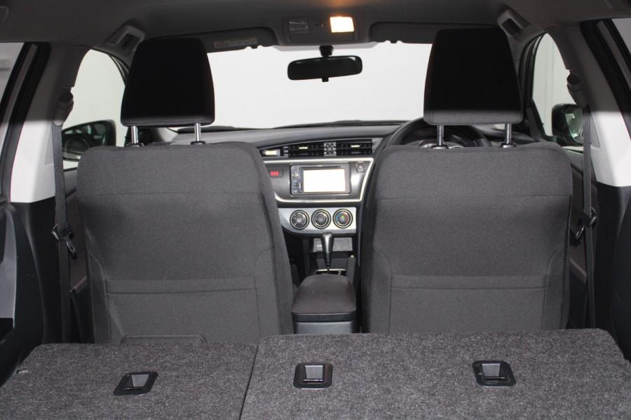 2013 Toyota Corolla ZRE182R Ascent Hatchback Image 21