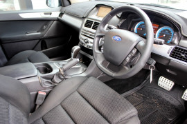 2010 Ford Falcon FG XR6 Utility - extended cab Mobile Image 9