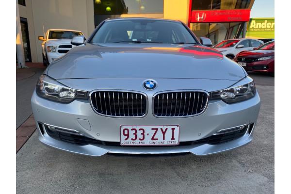 2012 BMW 3 Series F30 320i Sedan Image 2