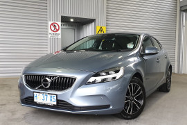 Volvo V40 D2 Momentum (No Series) MY18
