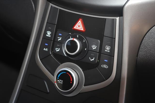 2014 Hyundai Elantra MD3 SE Sedan Image 18