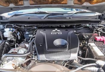 2016 Mitsubishi Pajero Sport QE Exceed Wagon