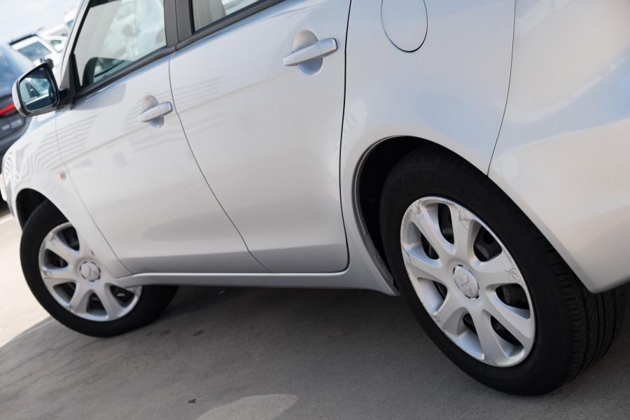 2013 Mitsubishi Lancer Image 9