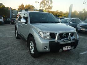 Nissan Pathfinder ST-L R5