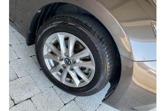 2015 Mazda Mazda3 MAZDA3 K 6AUTO Sedan Image 4