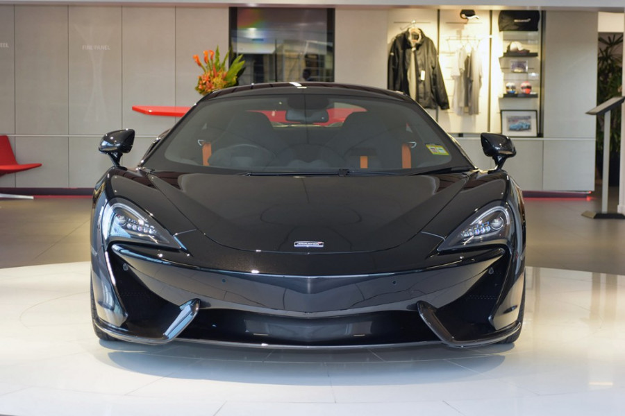2017 Mclaren P13 Sports Series 570S Coupe Mobile Image 2