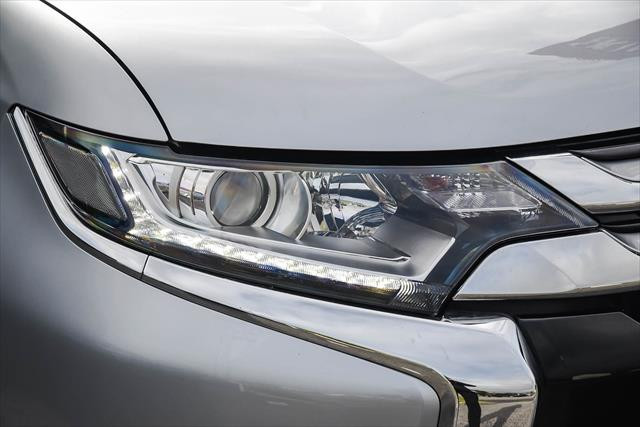 2016 Mitsubishi Outlander LS - Safety Pack