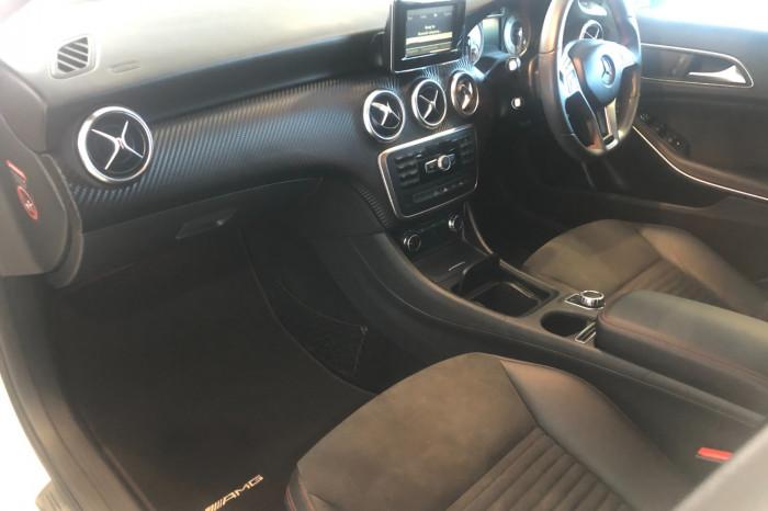 2013 Mercedes-Benz A-class W176 A180 Hatchback Image 4