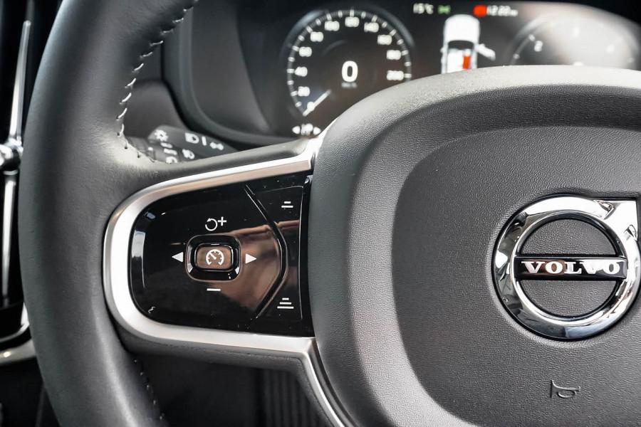 2020 Volvo V90 Cross Country P Series D5 Wagon Image 7