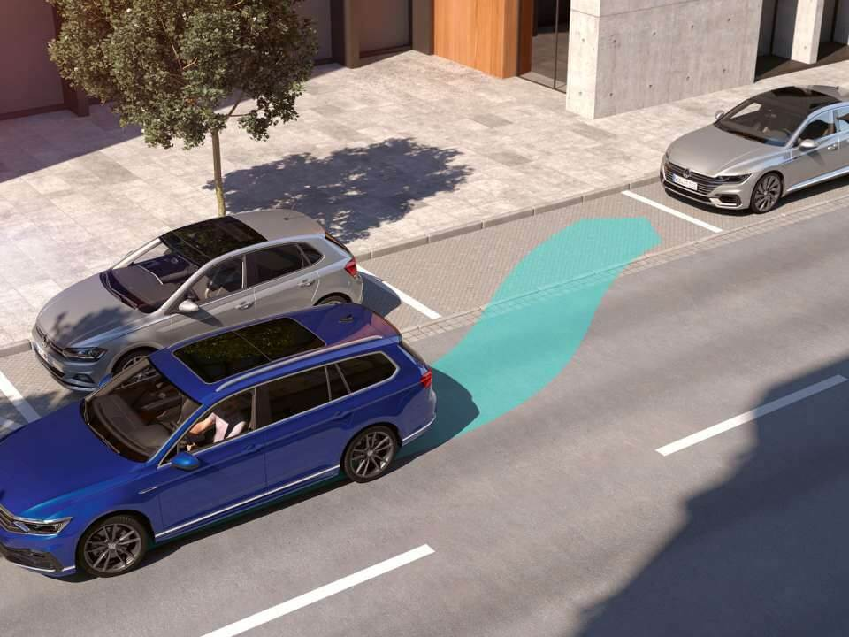 Any space is a Passat Wagon space Park Assist Image