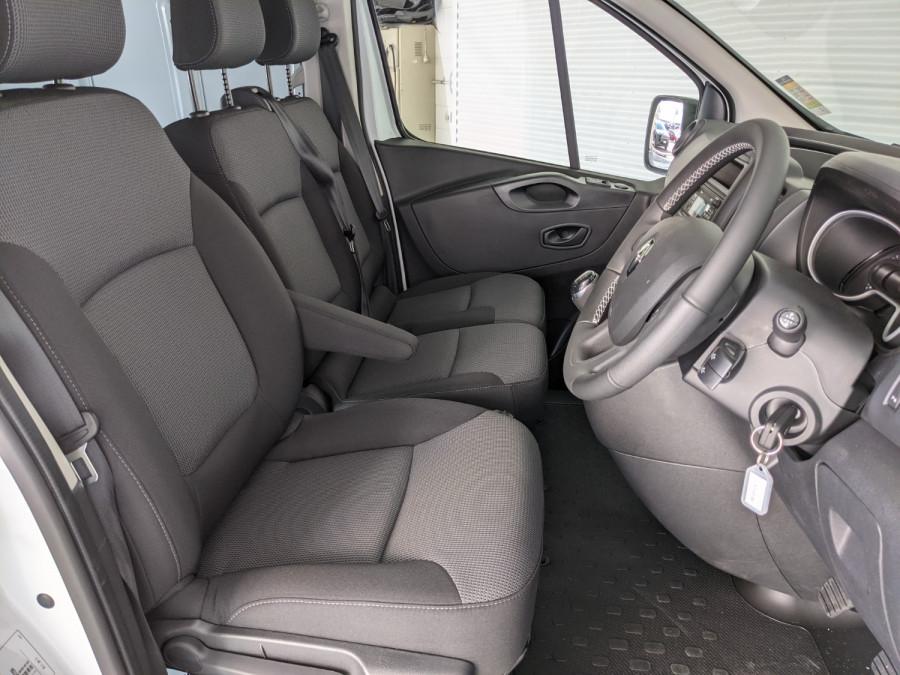 2021 Renault Trafic L2H1 LWB Pro Van Image 13