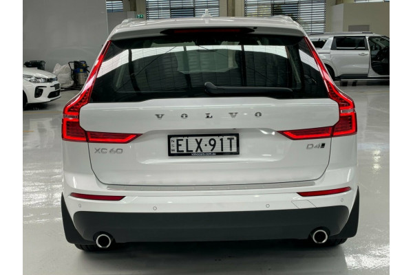 2020 MY21 Volvo XC60 UZ MY21 D4 AWD Momentum Suv Image 5