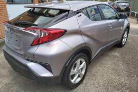 2018 Toyota C-hr NGX10R Suv Mobile Image 8