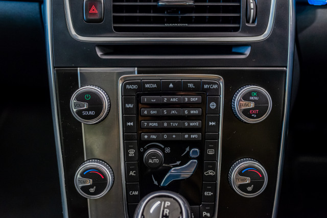 2016 MY17 Volvo S60 F Series T6 R-Design Sedan Image 28