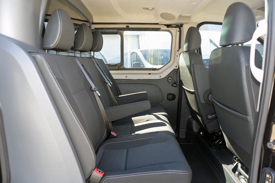 2019 Renault Trafic L2H1 Crew Van Mobile Image 11
