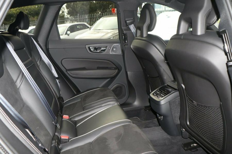 2018 Volvo XC60 T6 R-Design Suv Image 8