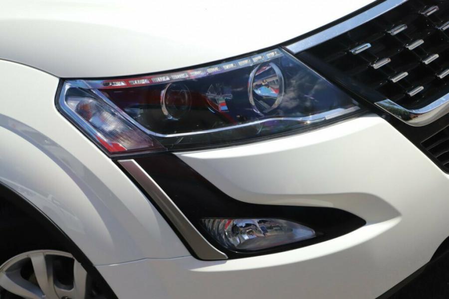2019 Mahindra XUV500 W6 FWD Suv